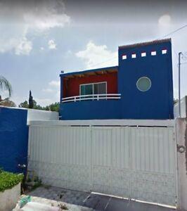 Casa Sola en Fraccionamiento Los Nogales en Corregidora Queretaro