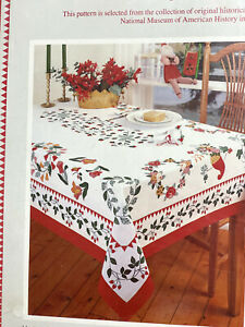 Smithsonian-NOS-New-Vintage-Brides-Quilt-Tablecloth-Rare-White-Red-Floral-Decor