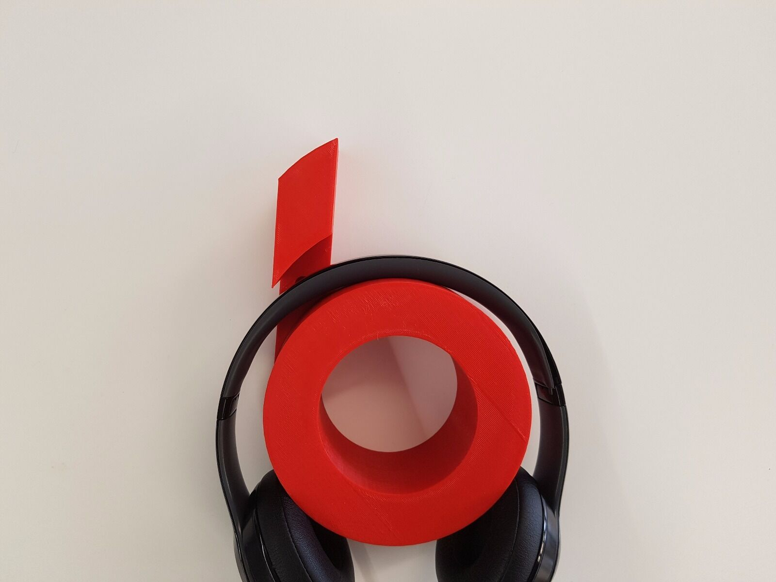 Beats headphone stand/wall mount