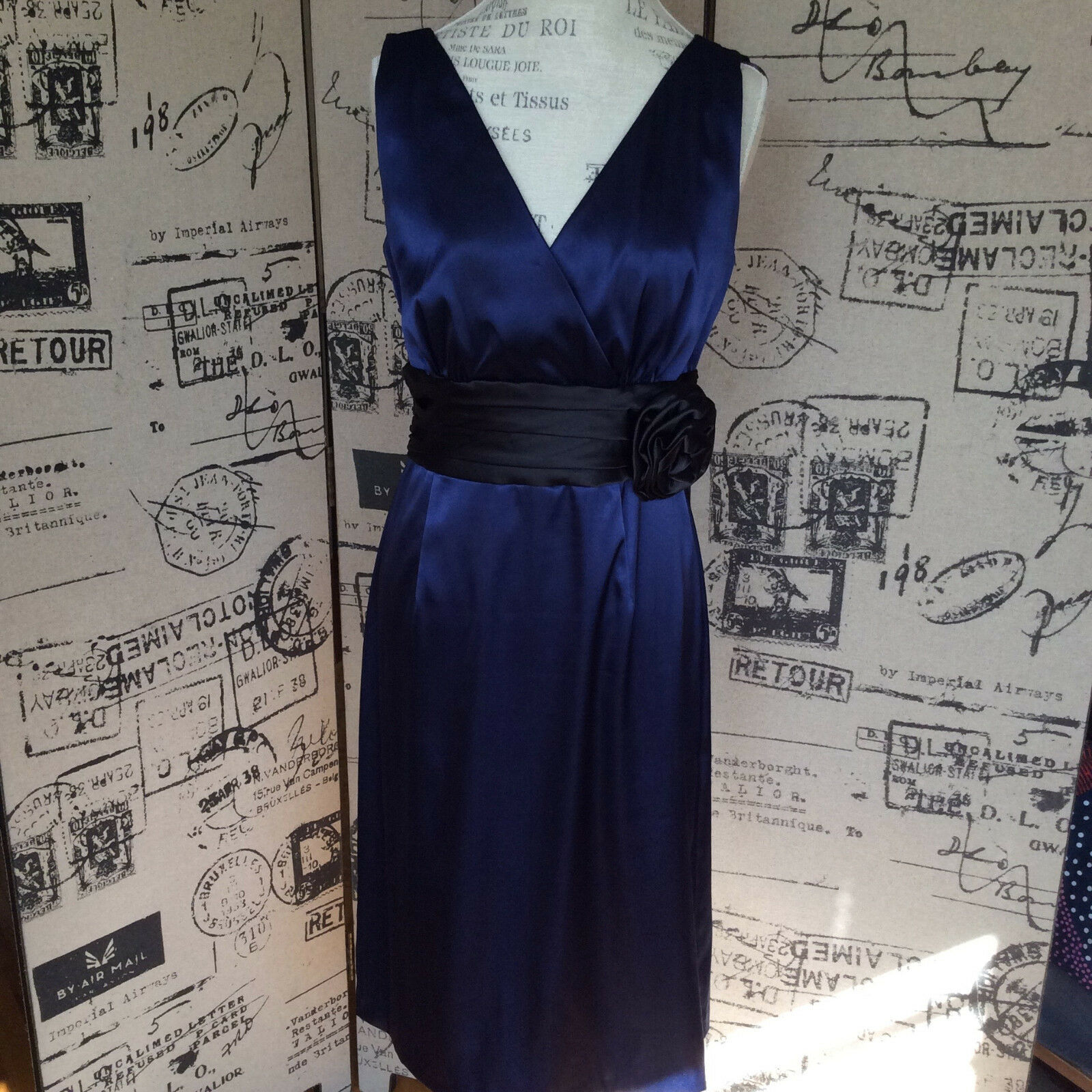 Eliza J. Blau Satin Dress with schwarz waist band and Rosa Größe 10
