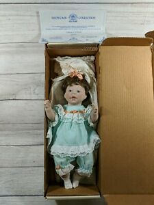 1992-Lee-Middleton-baby-Doll-Sissy-1st-Edition-Showcase-Collection-Number-192