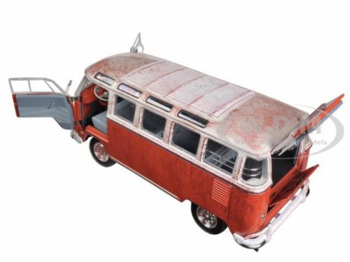 1960 VOLKSWAGEN MICROBUS DELUXE USA MODEL RUSTED 1//24 M2 MACHINES 40300-45A