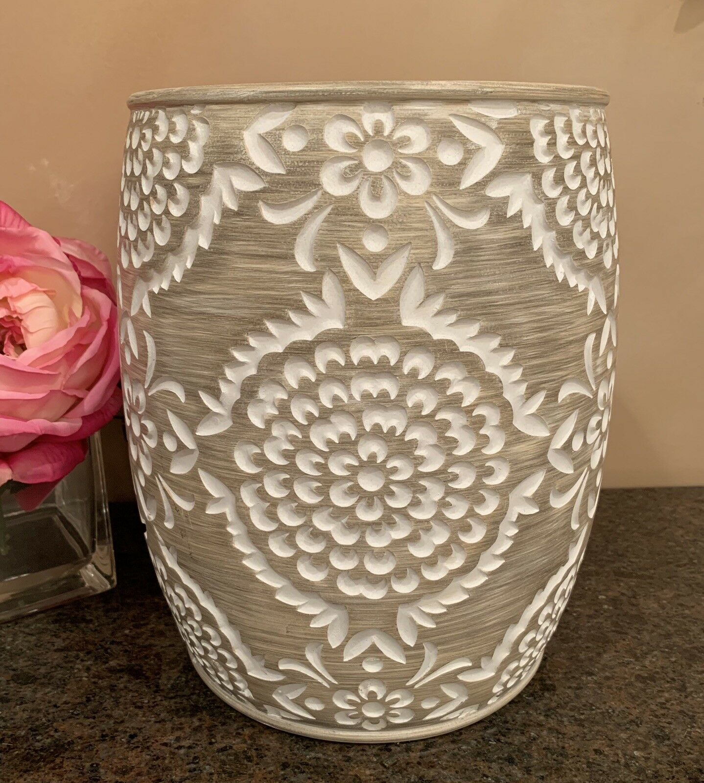 Beige   Weiß Carved Resin Medallion Bathroom Wastebasket (Beautiful )