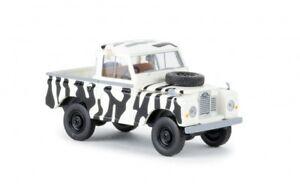13861-Brekina-Land-Rover-88-034-Safari-034-1-87