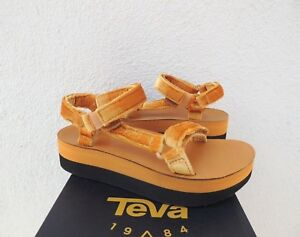 3f560e8b23d Image is loading TEVA-AMBER-FLATFORM-UNIVERSAL-VELVET-LEATHER-PLATFORM- SANDALS-