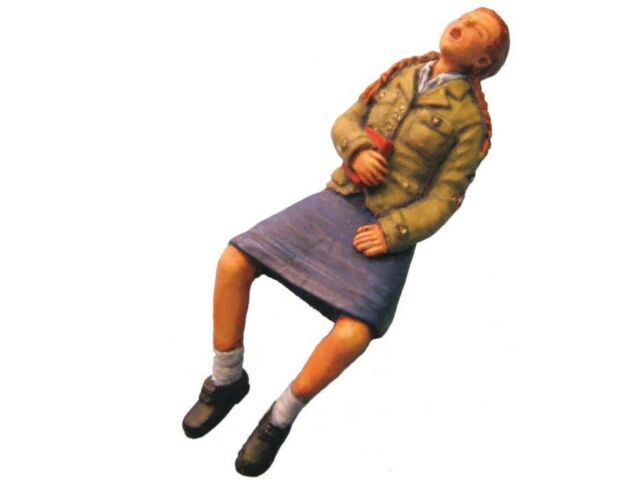 Aurora Model 1/35 figures WWII  League of German Maidens #2 Girl kit ML-014