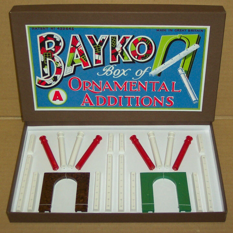 RARE PRE-WAR ORIGINAL 1938 VINTAGE BAYKO ORNAMENTAL ADDITIONS SET 'A'.REPRO BOX