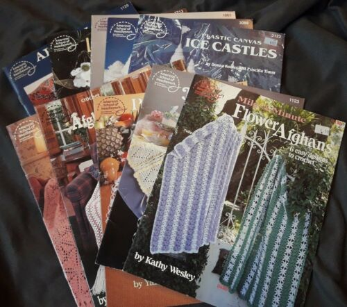 Vintage American School of Needlework Crochet /& Plastic Canvas Craft booklets