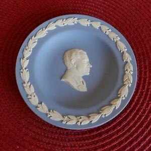 Vintage-Rare-Nixon-70-Wedgwood-White-On-Blue-Jasperware-Miniature-Plate-4-5-034