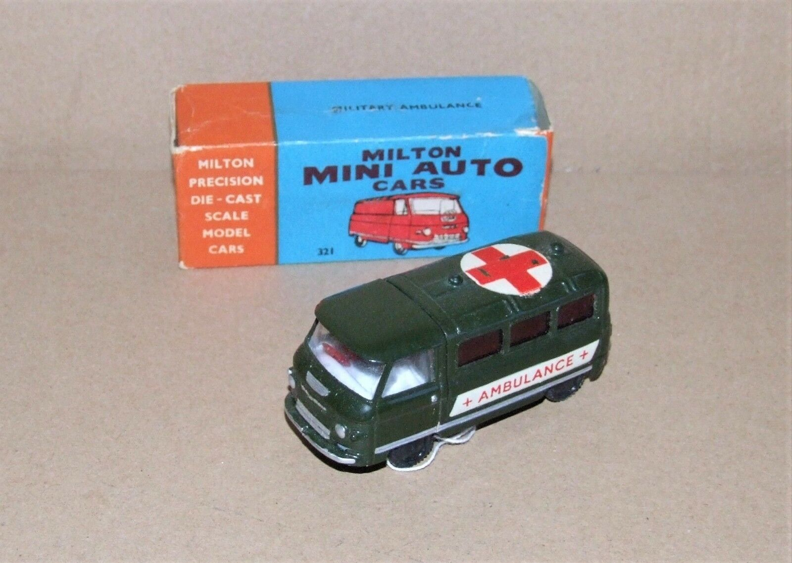 Milton (Inde) Mini Auto CARS 321 ambulance militaire