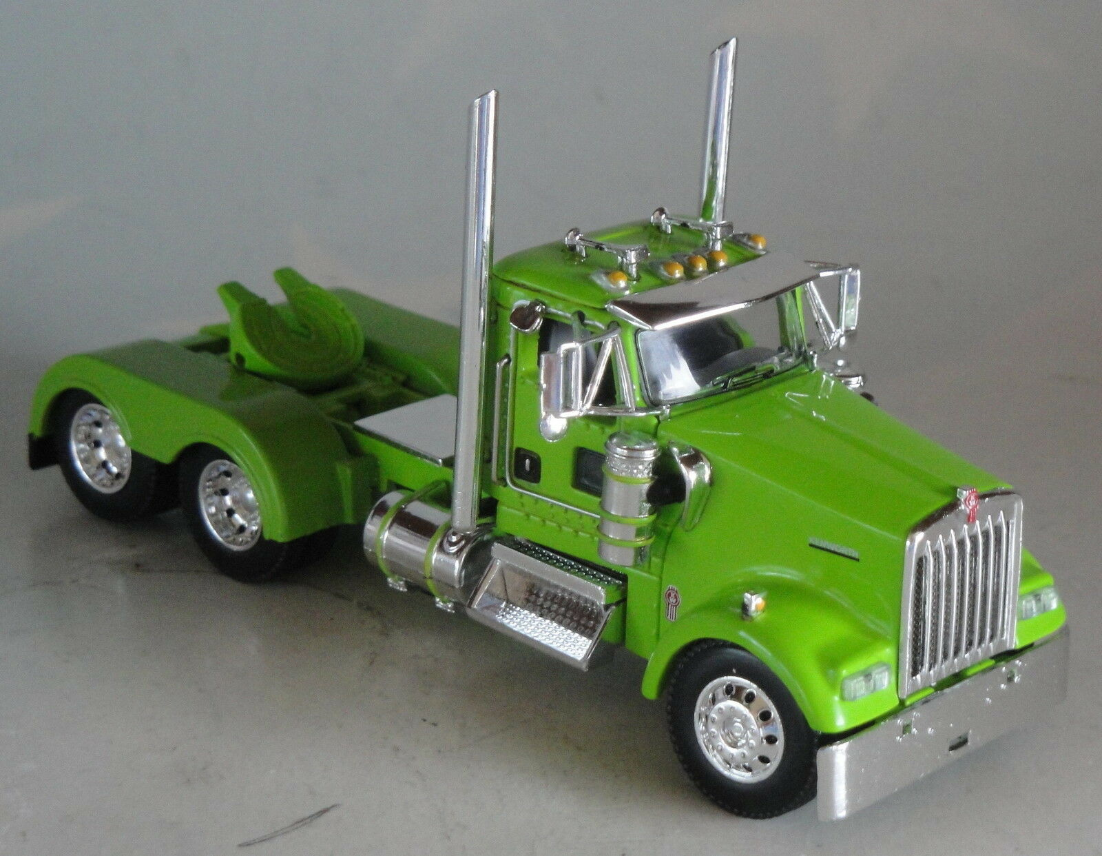 DCP MINT GREEN KENWORTH DAY CAB ONLY 1 64 DIECAST 33369