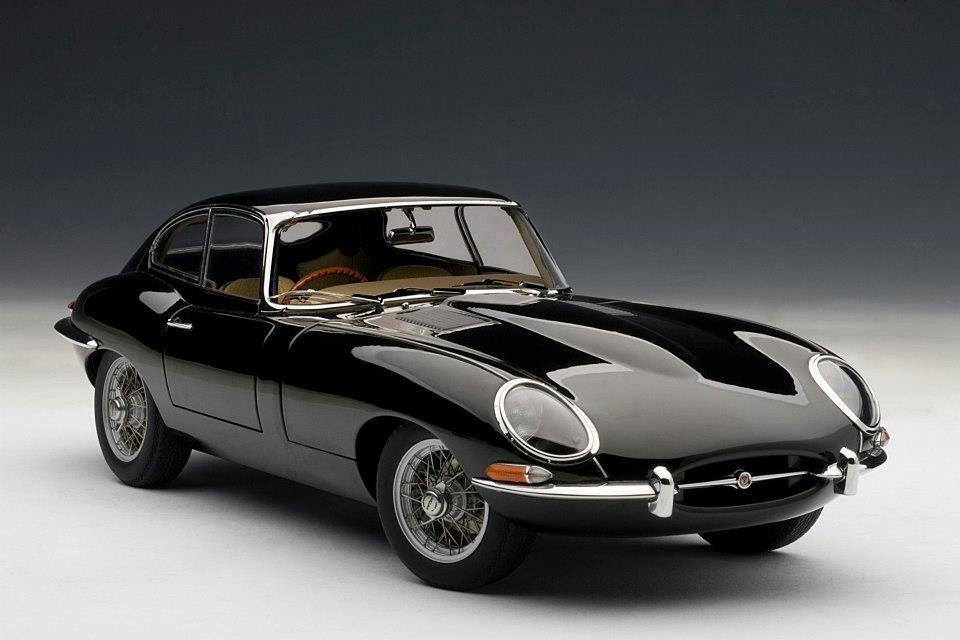 1:18 Autoart Autoart Autoart 1961 Jaguar E-Type Coupé Series i 3.8 Negro con Metal Cable Habló 48645a