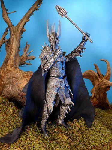 Le seigneur des anneaux  Sauron  Electronic Action Figure  Light & Sound  TOY BIZ  Comme neuf IN BOX