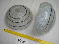 abat-jour en verre gris clair moucheté, trou de 28 mm époque 1950 (réf 8)