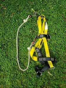 Safewaze Yellow Universal Safety Harness - Great Condition!