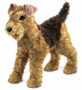 Folkmanis-Handpuppe-Hund-Airdale-Terrier