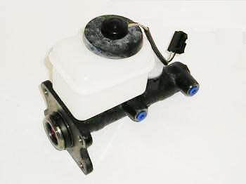 Brake Master Cylinder For Toyota Hilux Surf LN130 2.4TD KZN130 3.0TD 88-11//95