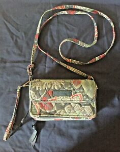 Vera-Bradley-All-in-One-Cross-Body-Wristlet-Wallet-in-Retired-Nomadic-Floral