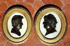 Médaillons en bronze à patine brune sur fond de marbre Jules César & Néron