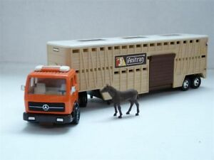 Matchbox-K8-1-50-Mercedes-Benz-Horse-Semi-Trailer-Truck-Diecast-Model-Car