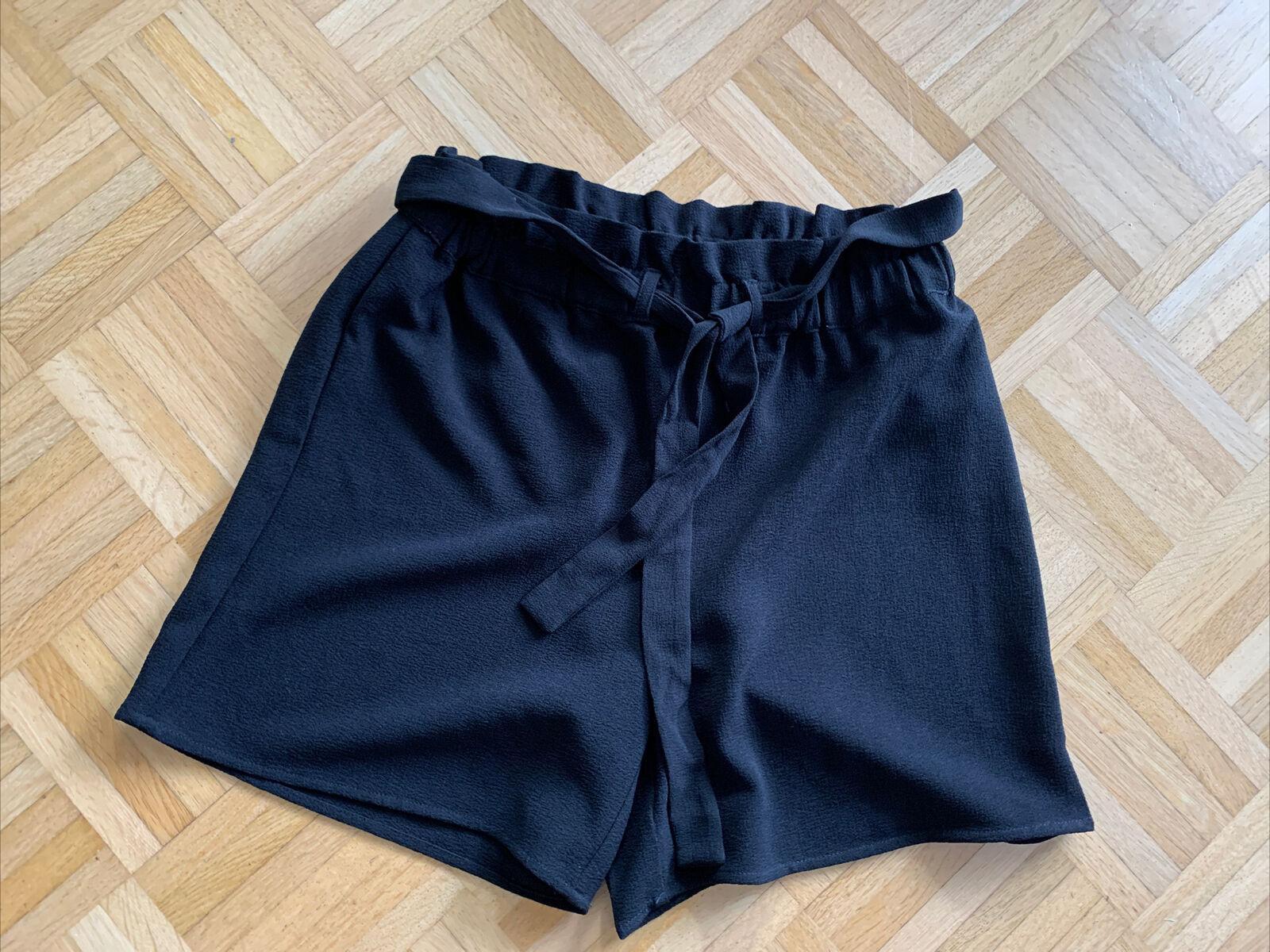 ❤️ Only ❤️ Kurze Damen Hose ❤️ In Schwarz ❤️ Gr 38 ❤️