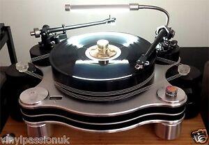 Turntable-Lamp-Vinyl-Passion-illuminati-for-UK-USA-EU-Hi-Fi-Choice-5-star-rating