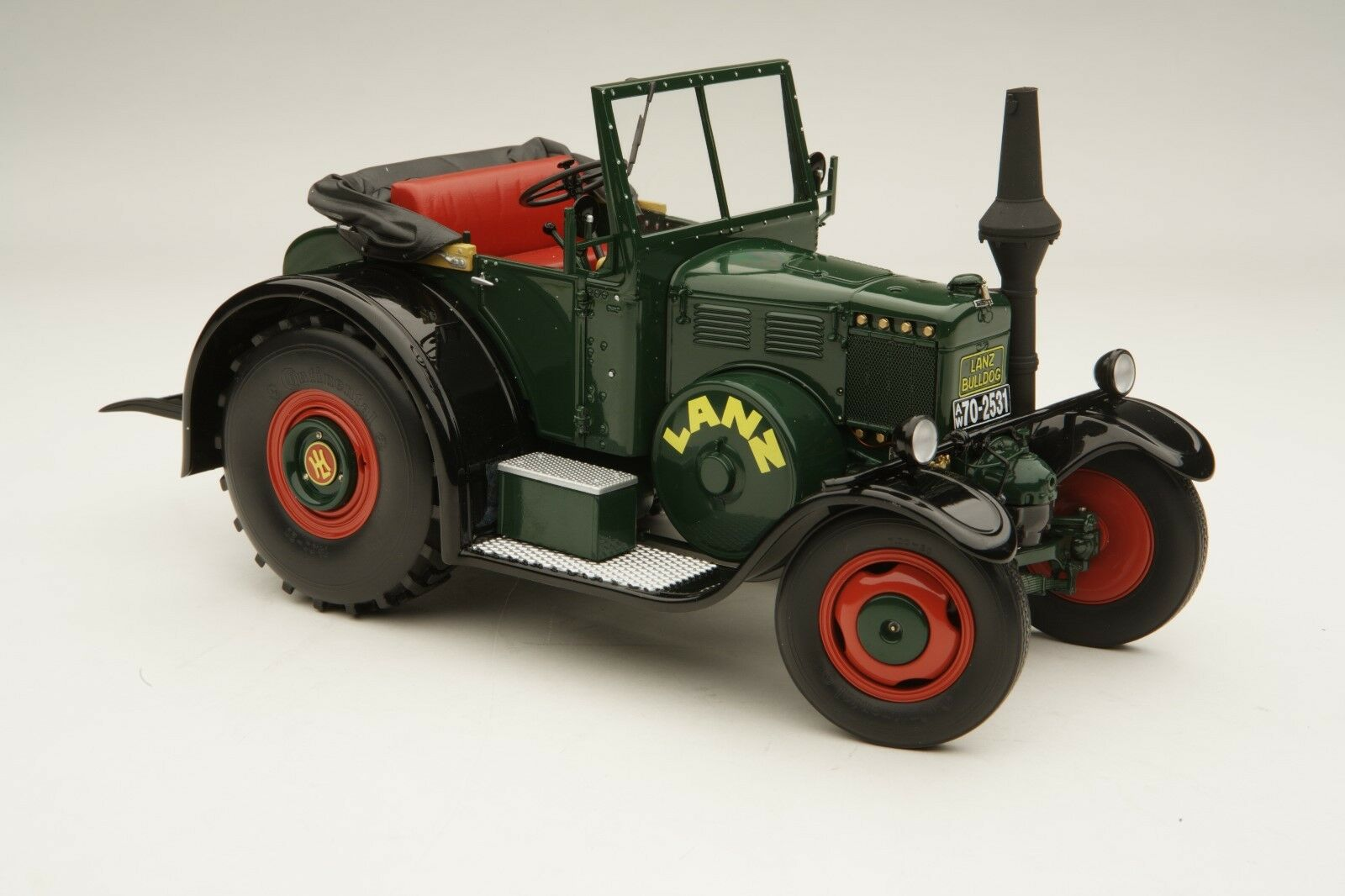 Schuco   Lanz Eilbulldog Farming Tractor   Open Cabin   1 18   SHU00125