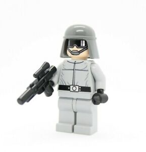 LEGO STAR WARS AT-ST  DRIVER FROM SET 7657 MINIFIGURE BRAND NEW