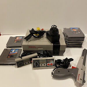 Nintendo-NES-Action-Set-w-7-Games-New-72-Pin-Disabled-Lock-out-Mario-Duck-Hunt