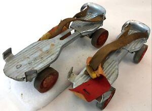 Vintage-1960-KINGSTON-Metal-Wheel-Shoe-Strap-On-Adjustable-Length-Roller-Skates