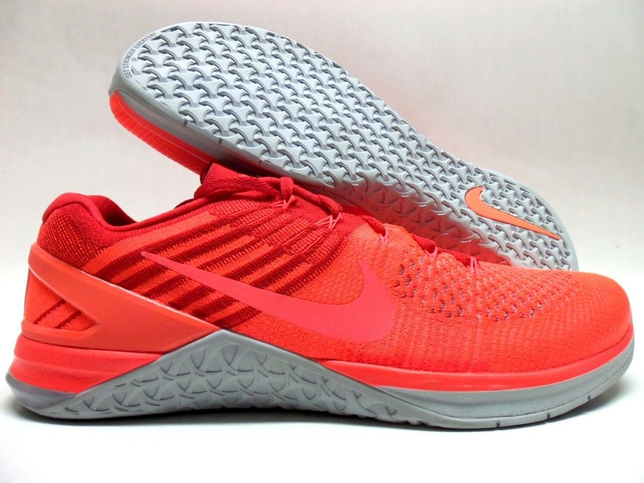 Nike metcon dsx flyknit insgesamt crimson / hyper - orange größe männer 13 [852930-800]