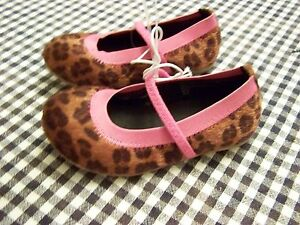 03b1908e741d0 Details about New cherokee toddler girls size 6 fuzzy leopard print with  pink trim shoes
