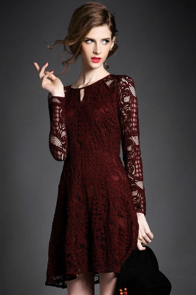 ALAROO damen LACE STYLE MINI DRESS IN BURGUNDY - MEDIUM -   SALE BNWT