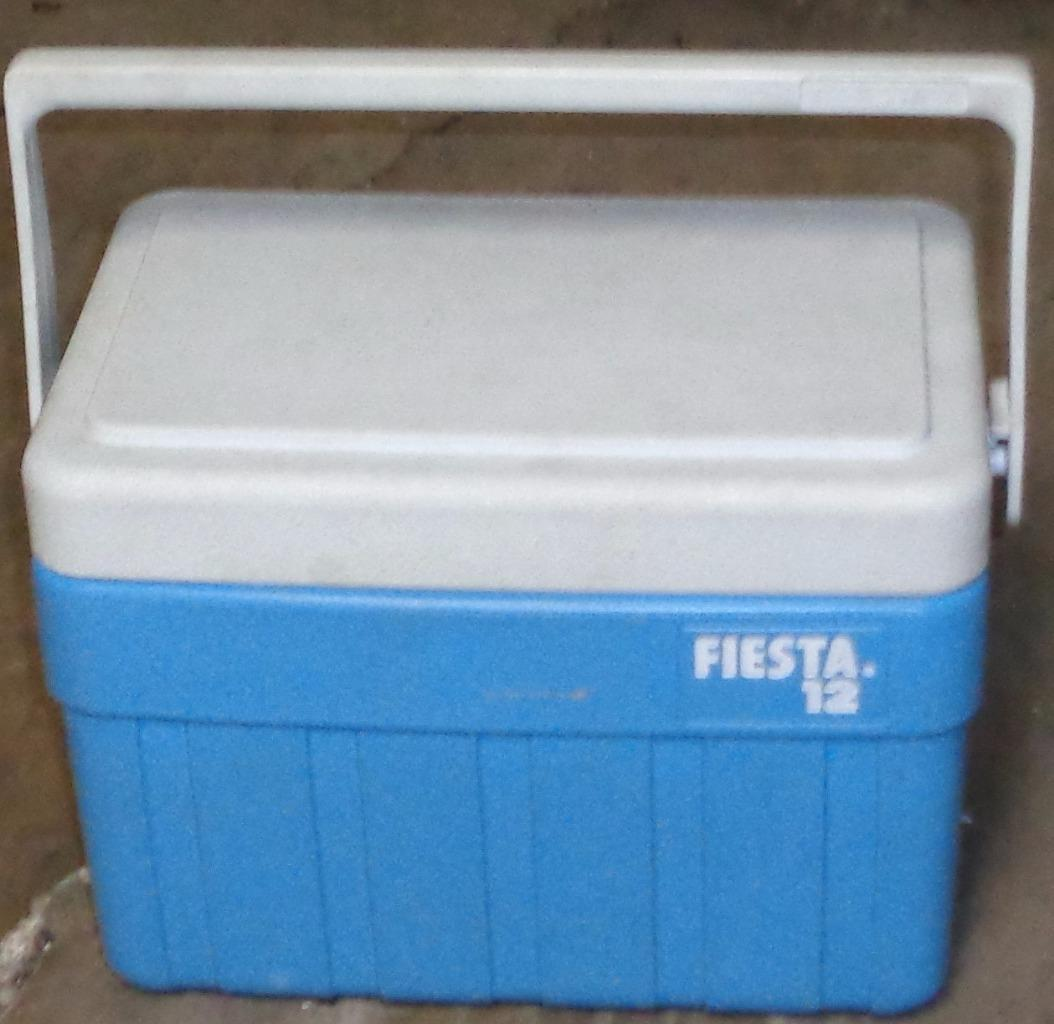 Gently Used Fiesta 12 Portable Cooler - SMALLER SIZE GREAT FOR PICNICS - VGC