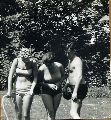 Rothaariges Mädel Im Bikini