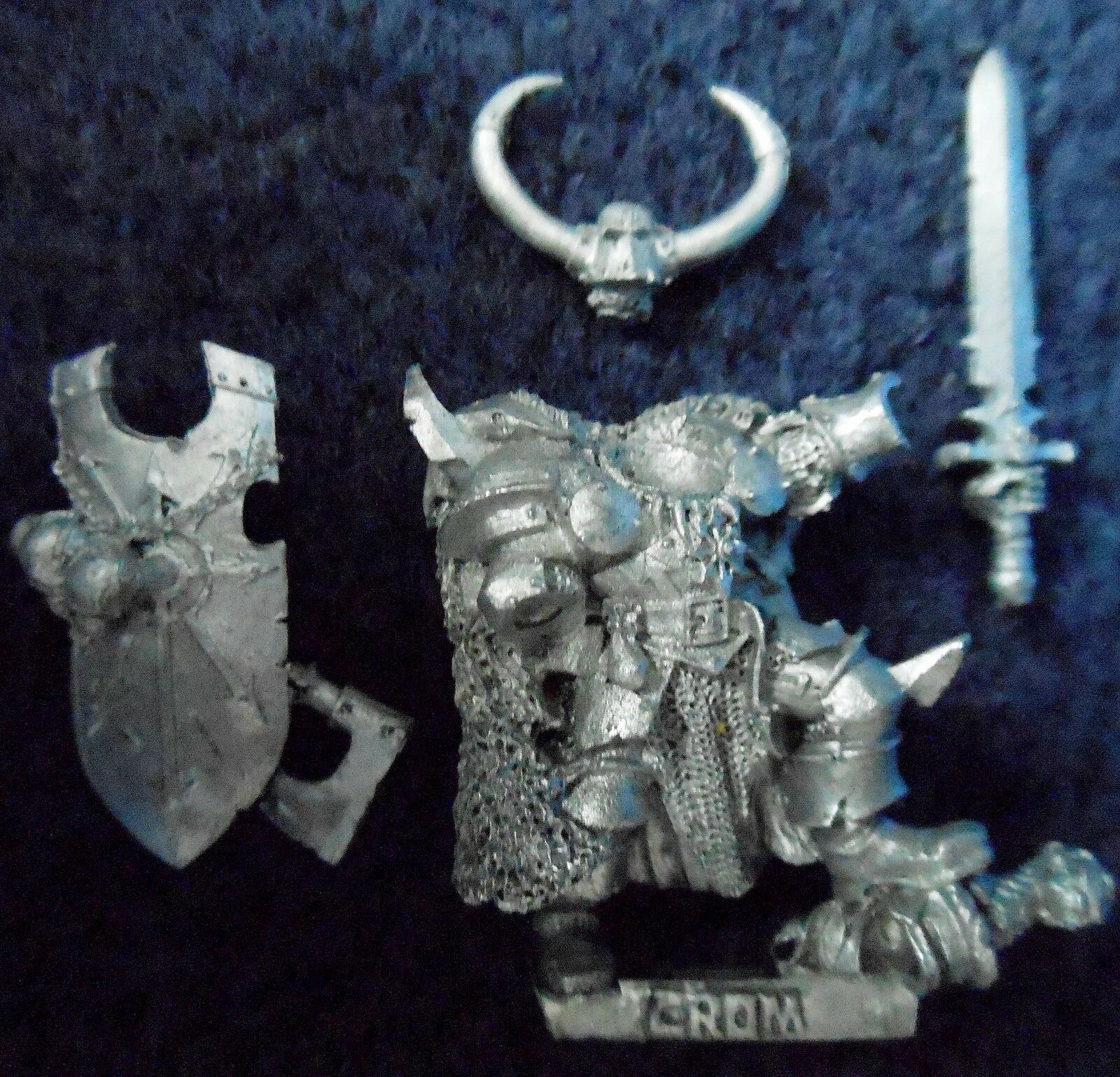 2002 Chaos Crom the Conquerer Citadel Warhammer Army Lord Champion Exalted Hero