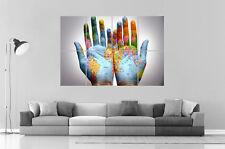 CARTE DU MONDE World Map On Hands  Wall Art Poster Grand format A0 Large Print