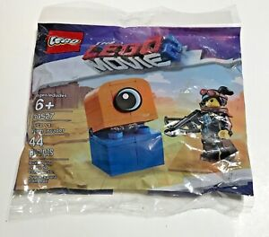 Lego - NEW 2019 The Lego Movie 2 Lucy vs. Alien Invader Polybag #30527