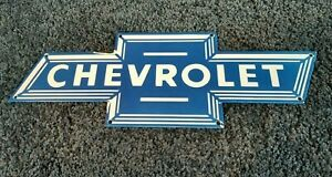 VINTAGE-CHEVROLET-PORCELAIN-BOW-TIE-GAS-AUTO-TRUCKS-SERVICE-SALES-DEALER-SIGN