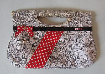 red Clutch Handtasche Tasche Häuser lack Schleife Polka Dots Punkte 50er Blogger