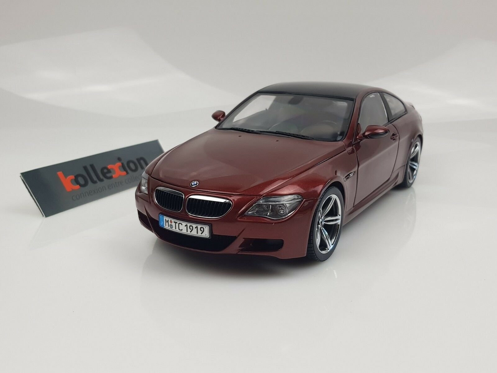 KYOSHO BMW M6 E63 Rouge Toit Carbone 1.18 NB