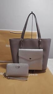 c4505745950e NWT MICHAEL KORS JET SET PEARL GREY LARGE MULTIFUNCTION POCKET TOTE+ ...