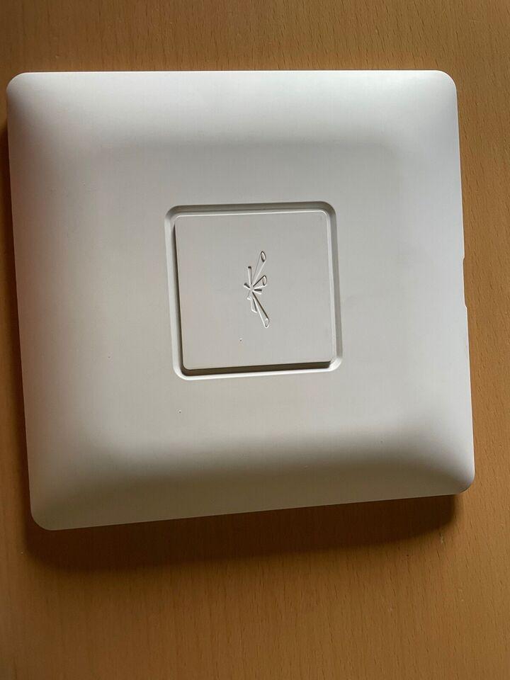 Access point, Ubiquiti , God