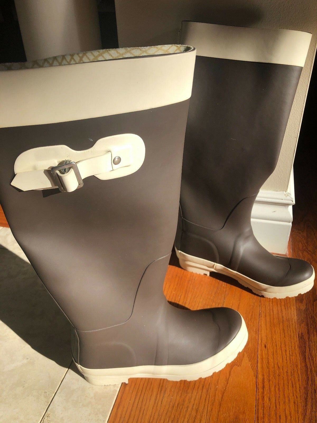BNEW NU BOAT RAIN BOOTS LUXURY RUBBER SPECTACULAR COLOR MIX BROWN WHITE 6 M