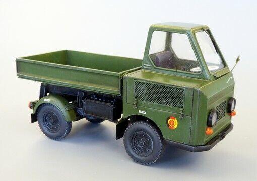 Plus modello 1 35 Multiauto M-22 (kit completo di resina)