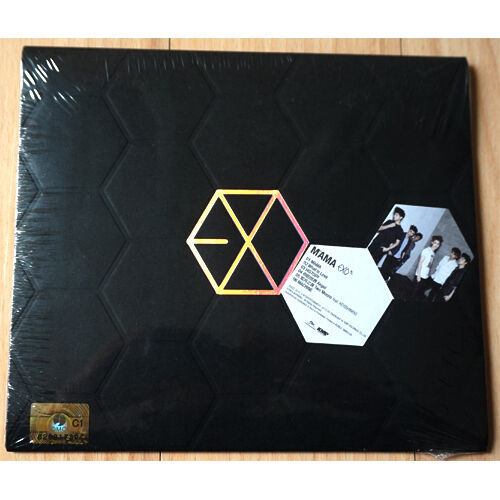 EXO - M - MAMA (1st Mini Album) CD + Booklet + Photo Card Factory Sealed K-POP