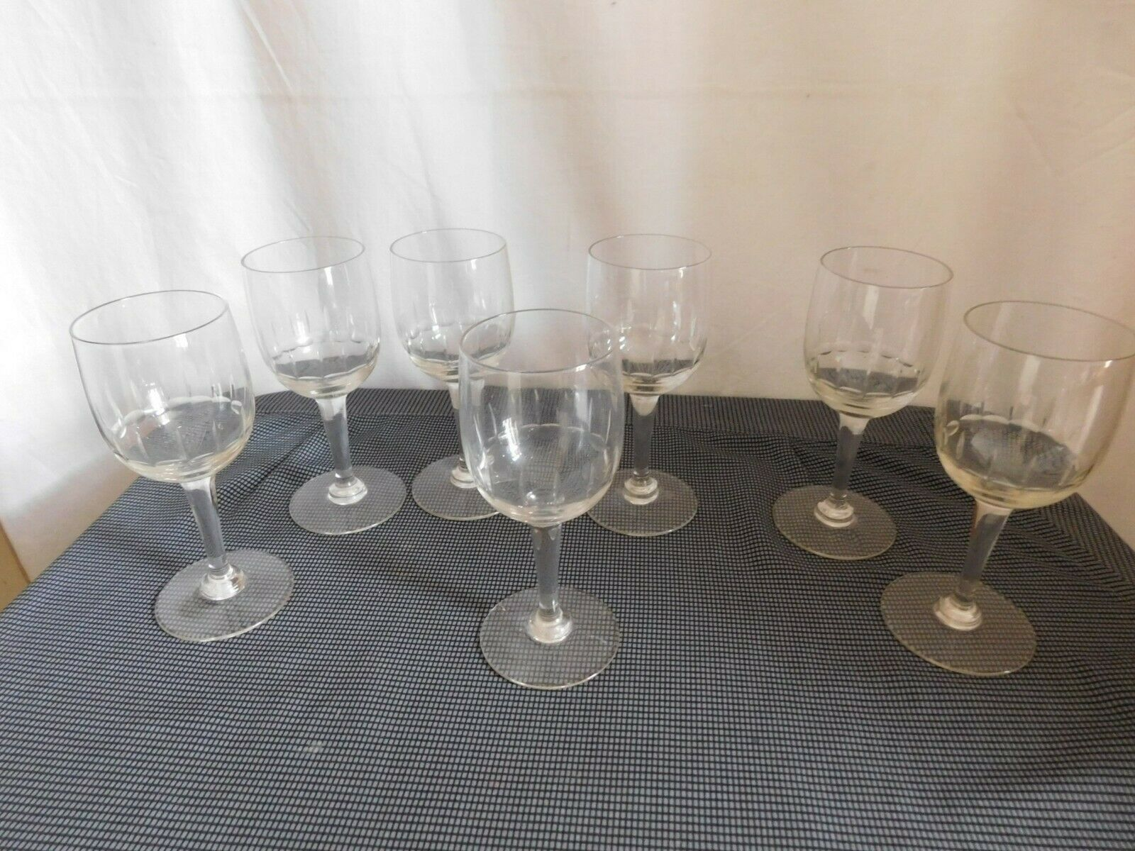 Set of Sept Glasses Wine White Crystal Carved Rib Hollow the 50