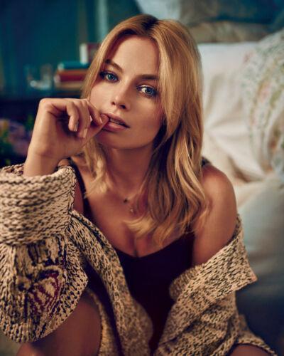 121 Margot Robbie Unsigned 8x10 Photo