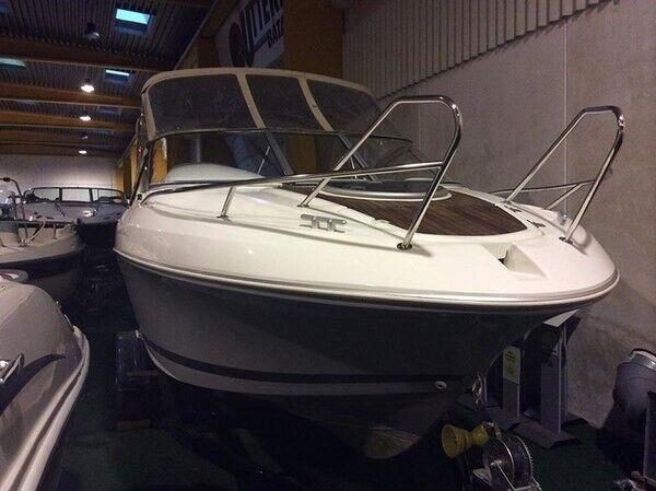 Beneteau, Motorbåd, fod 21