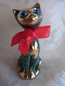 Bronze-Figur-Katze-mit-Schleife-antik-pateniert-327-2